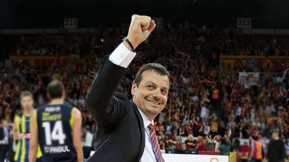 Official - Efes reunites with Coach Ataman