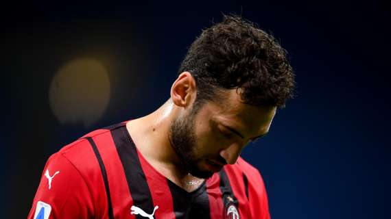 PREMIER - Arsenal join the race for AC Milan's Calhanoglu